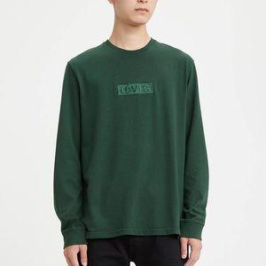 Levi's Longsleeve Oversized Graphic Tee Shirt